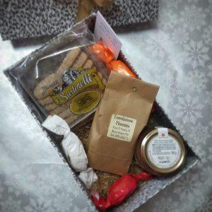 """Scatola """"colazione"""" con caffè, biscotti, marmellata e amaretti"""